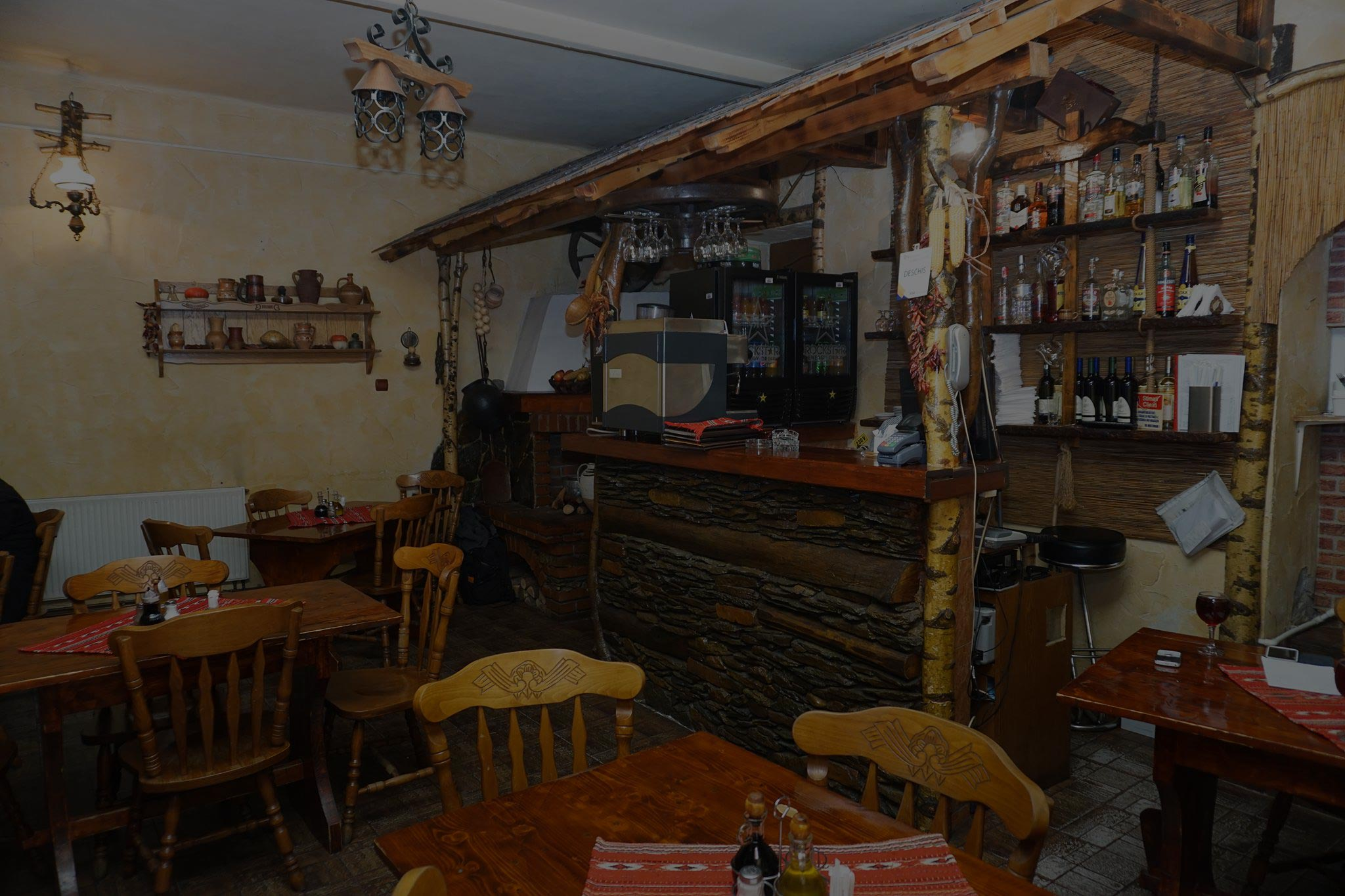 restaurant chic carbunesti traditional romanesc